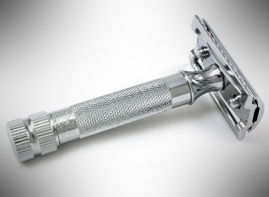 MERKUR 34C Safety Razor - dopp kit essentials
