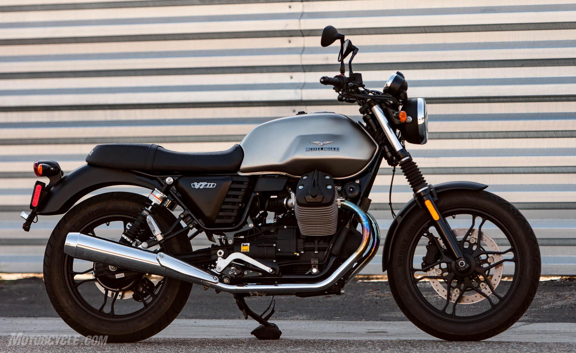 Moto Guzzi V7 Stone II – retro motorcycle