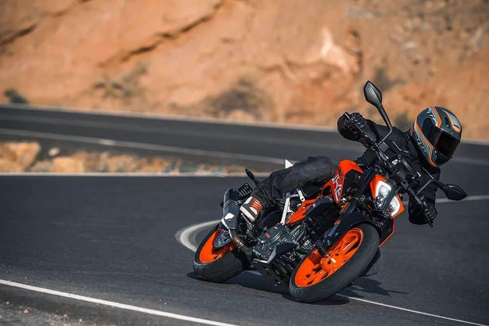 Orange KTM Duke 390