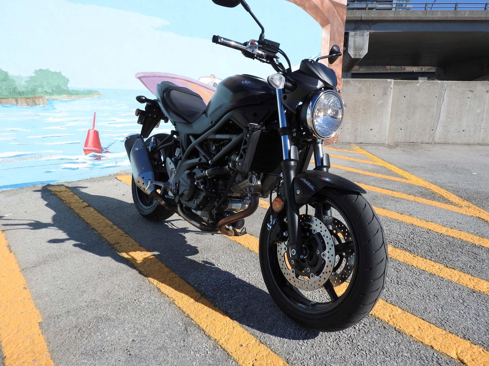 Suzuki SV650 – retro motorcycle