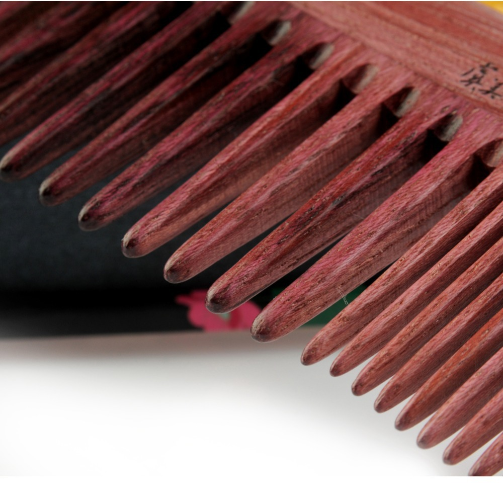 Wide Tooth Comb – protect your hair while swimming