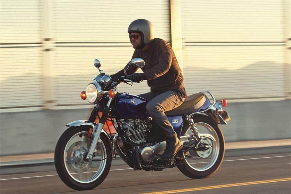 Yamaha SR400 retro