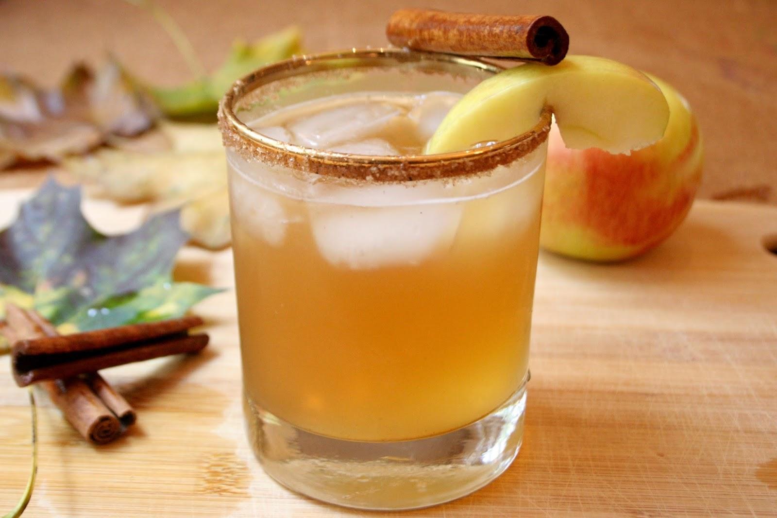 Apple Pie in A Jar – autumn cocktail