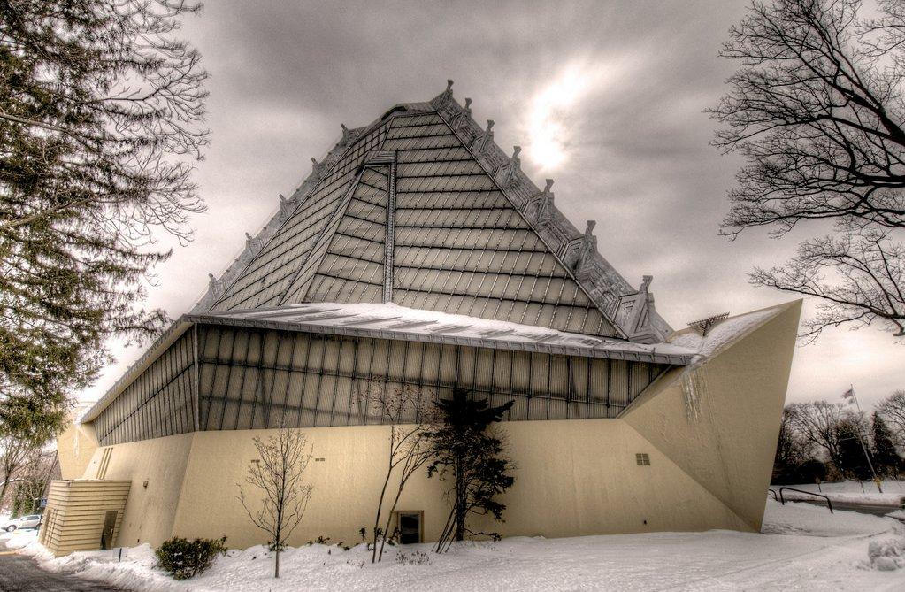 Beth Shalom Synagogue – beautiful religious site