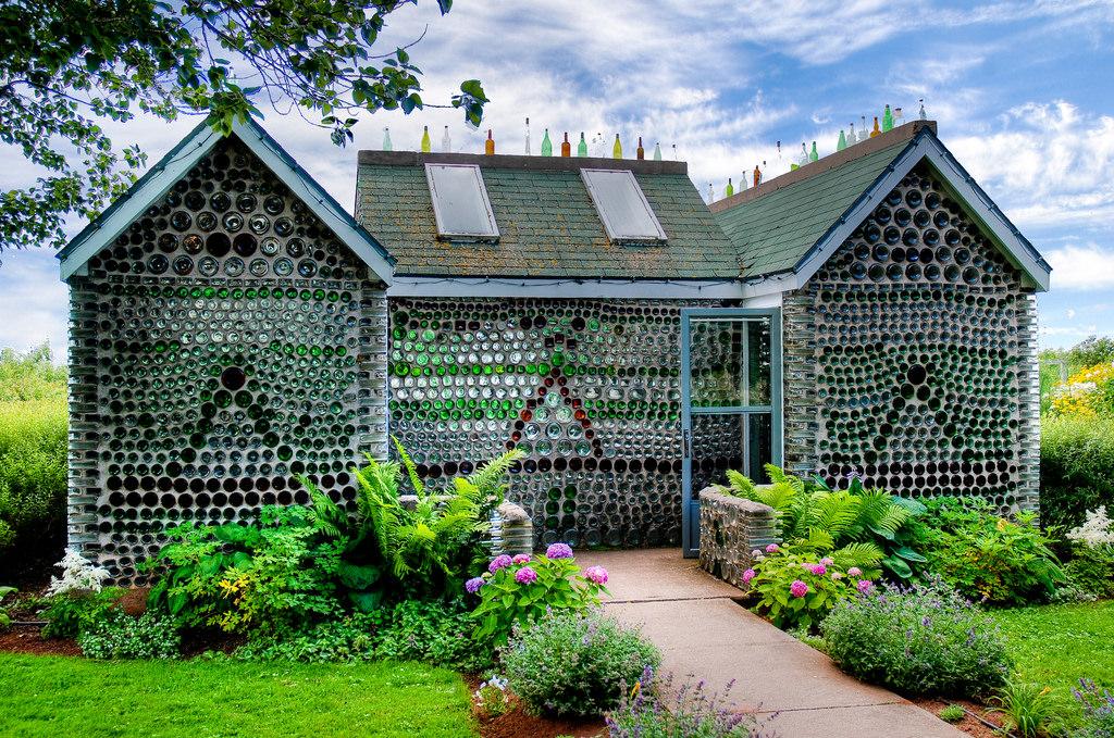 bottles-genius-sustainable-diy-house