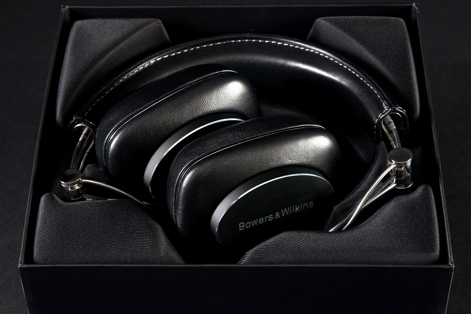 bowers-wilkins-p7-hi-fi-headphones
