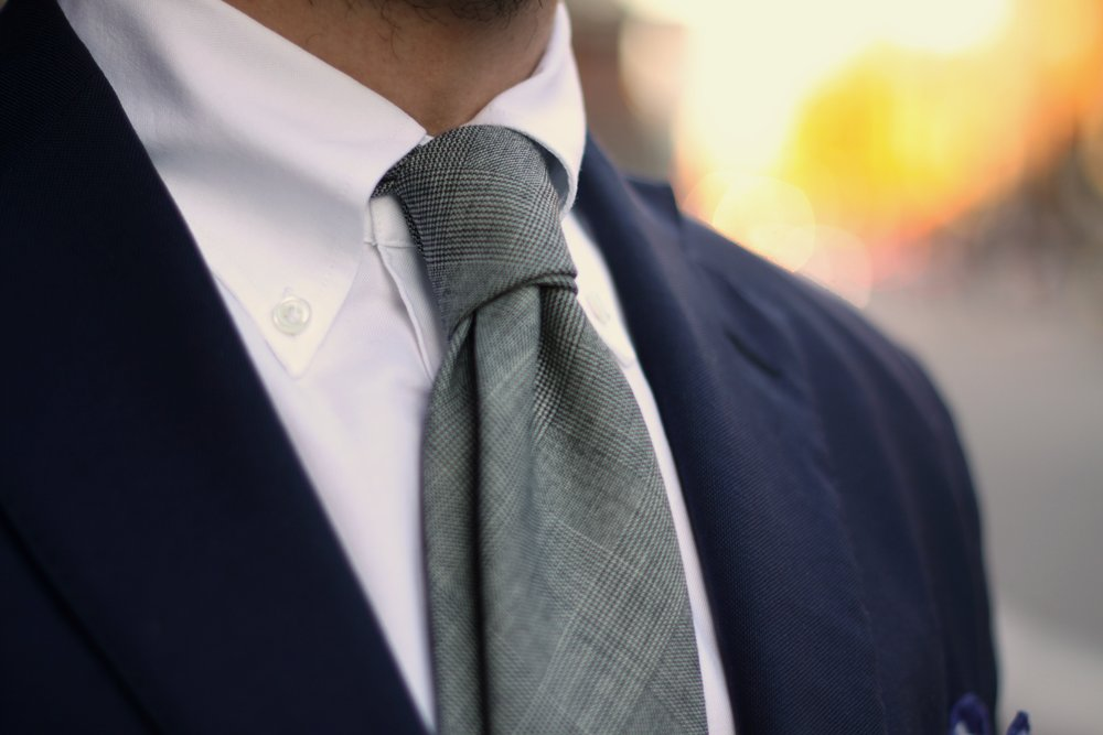 Button Down Collar With Tie