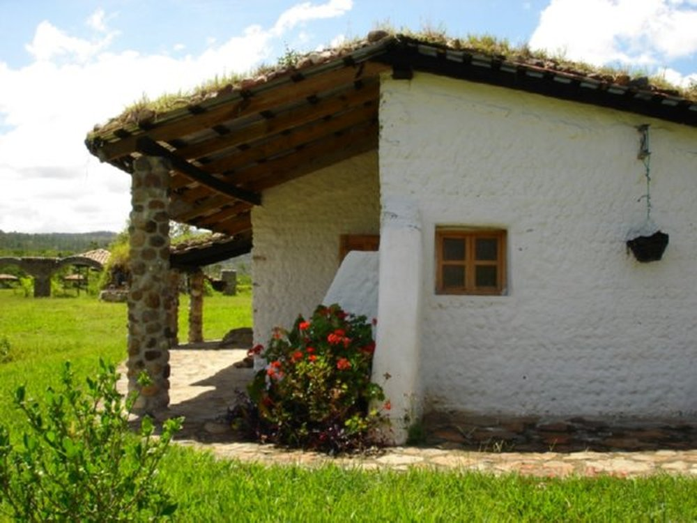 eco-tec-sustainable-recycled-plastic-diy-homes