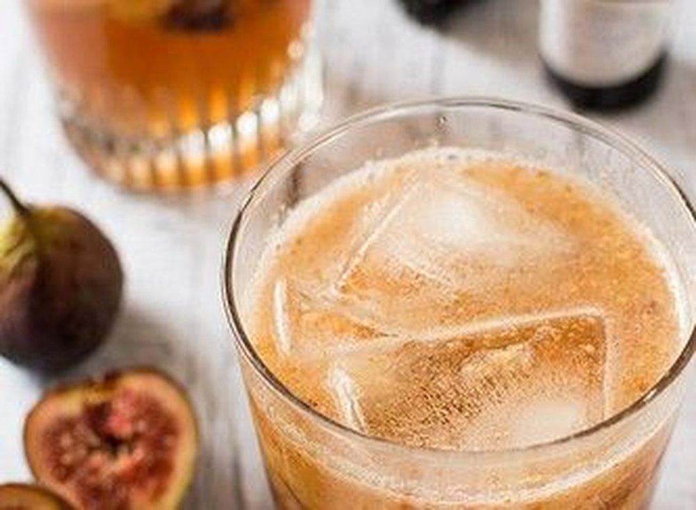 Figgy Maple Bourbon Fizz – autumn cocktail