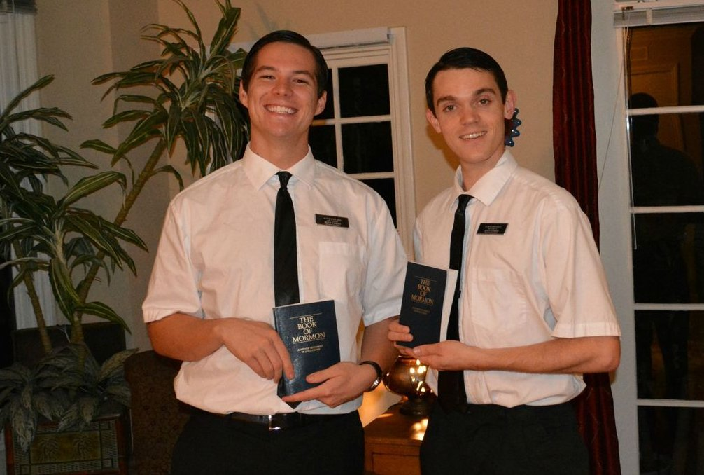 Jehovas Witnesses – couples costume