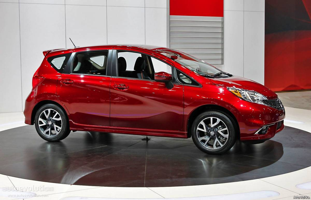 Nissan Versa Note SV – new cars under $25,000