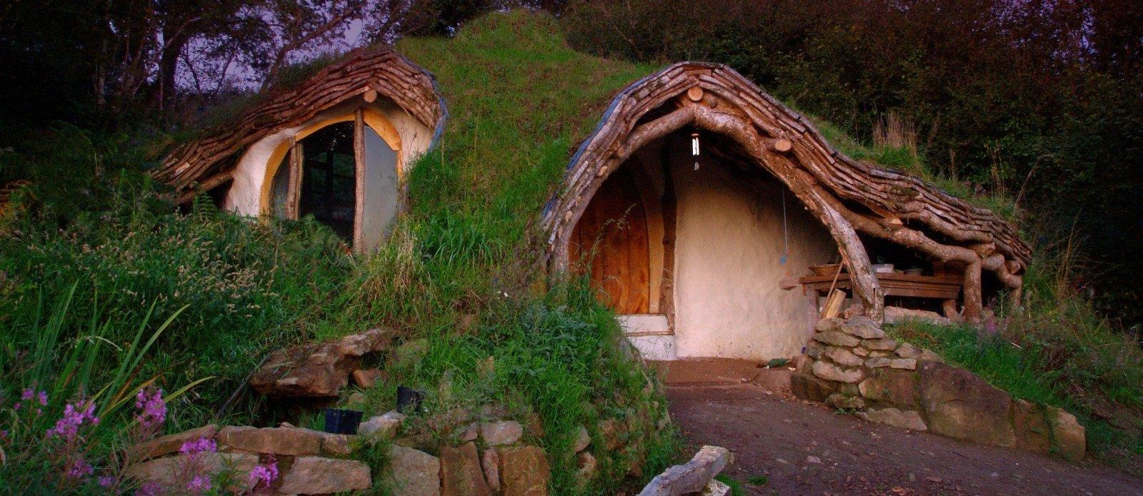 sustainable-diy-hobbit-house