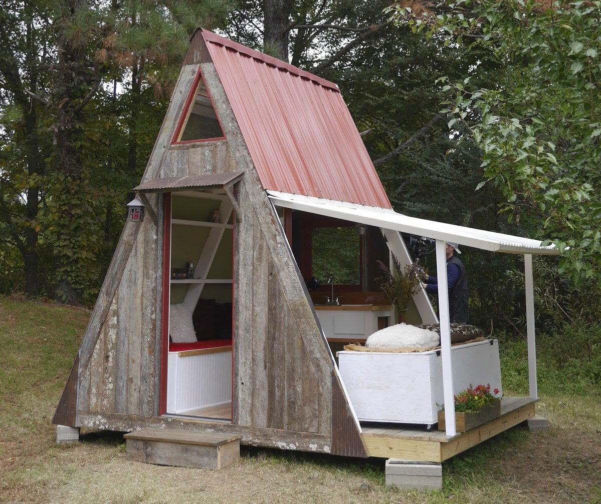 the-a-frame-cabin-sustainable-diy-house