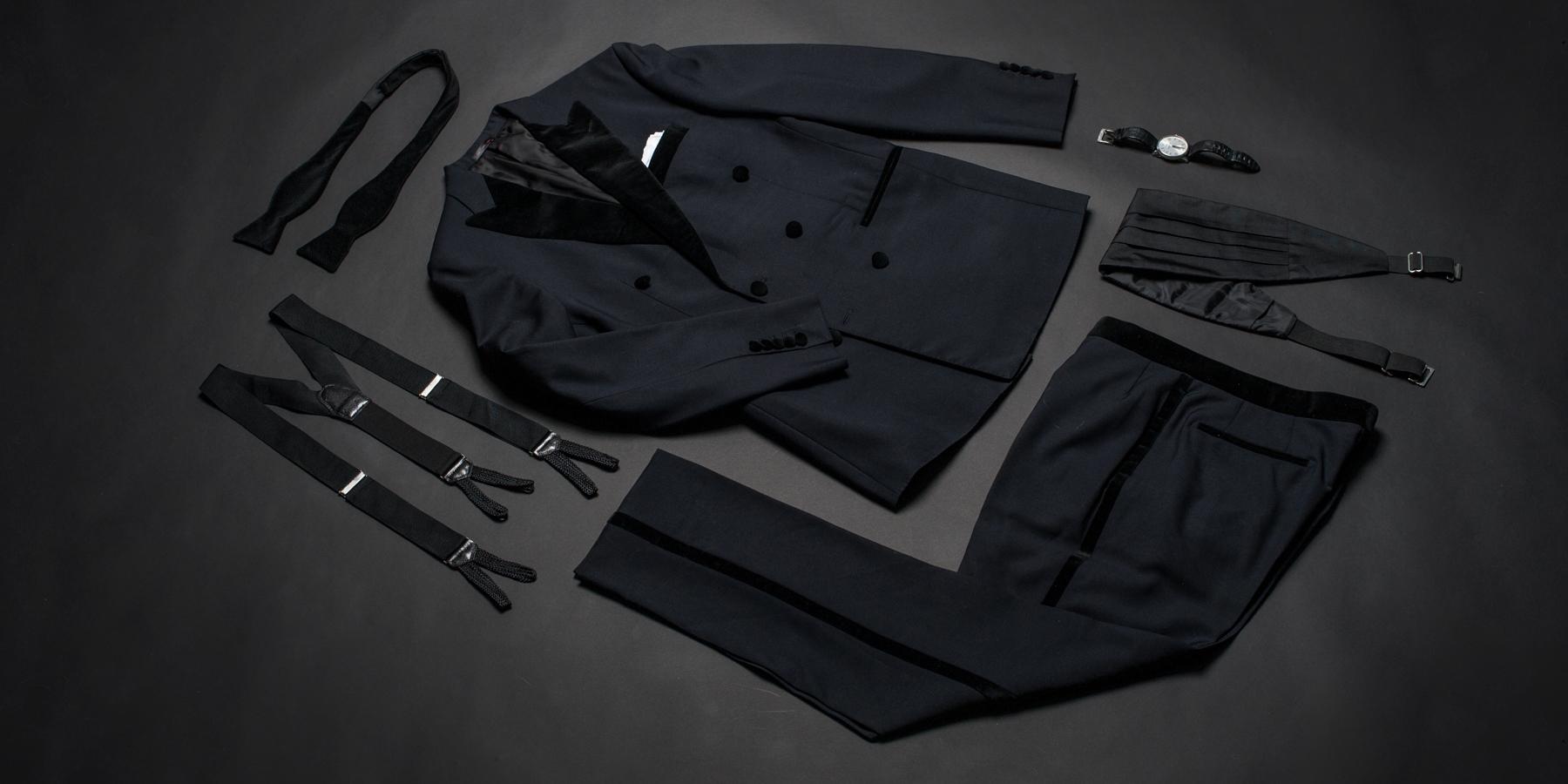 Accessories – tuxedo vs suit