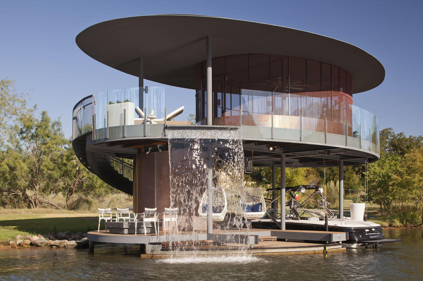 Bercy Chen Boathouse – floating home