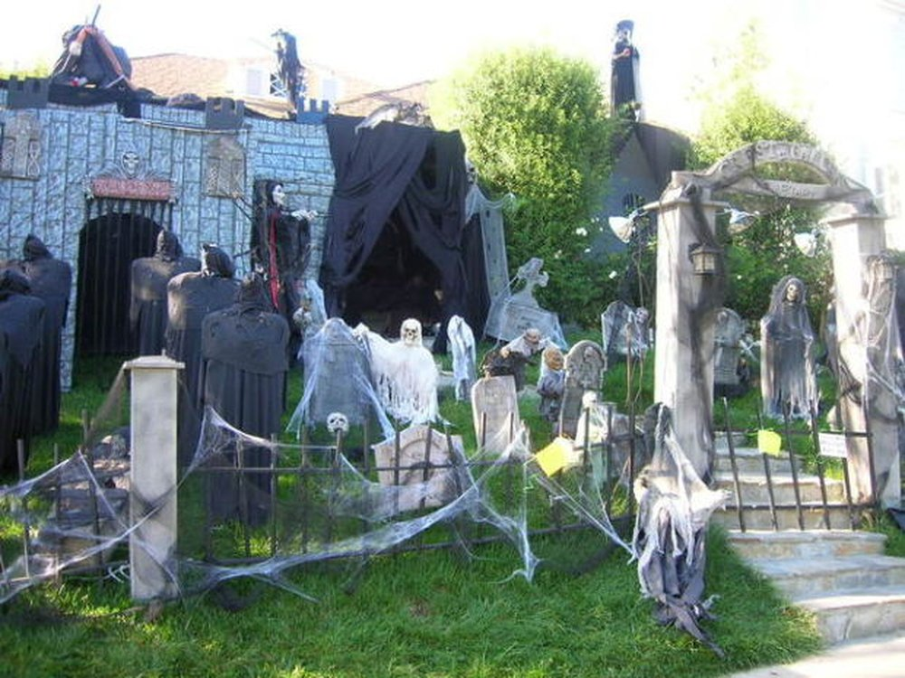 Graveyard – halloween decorations