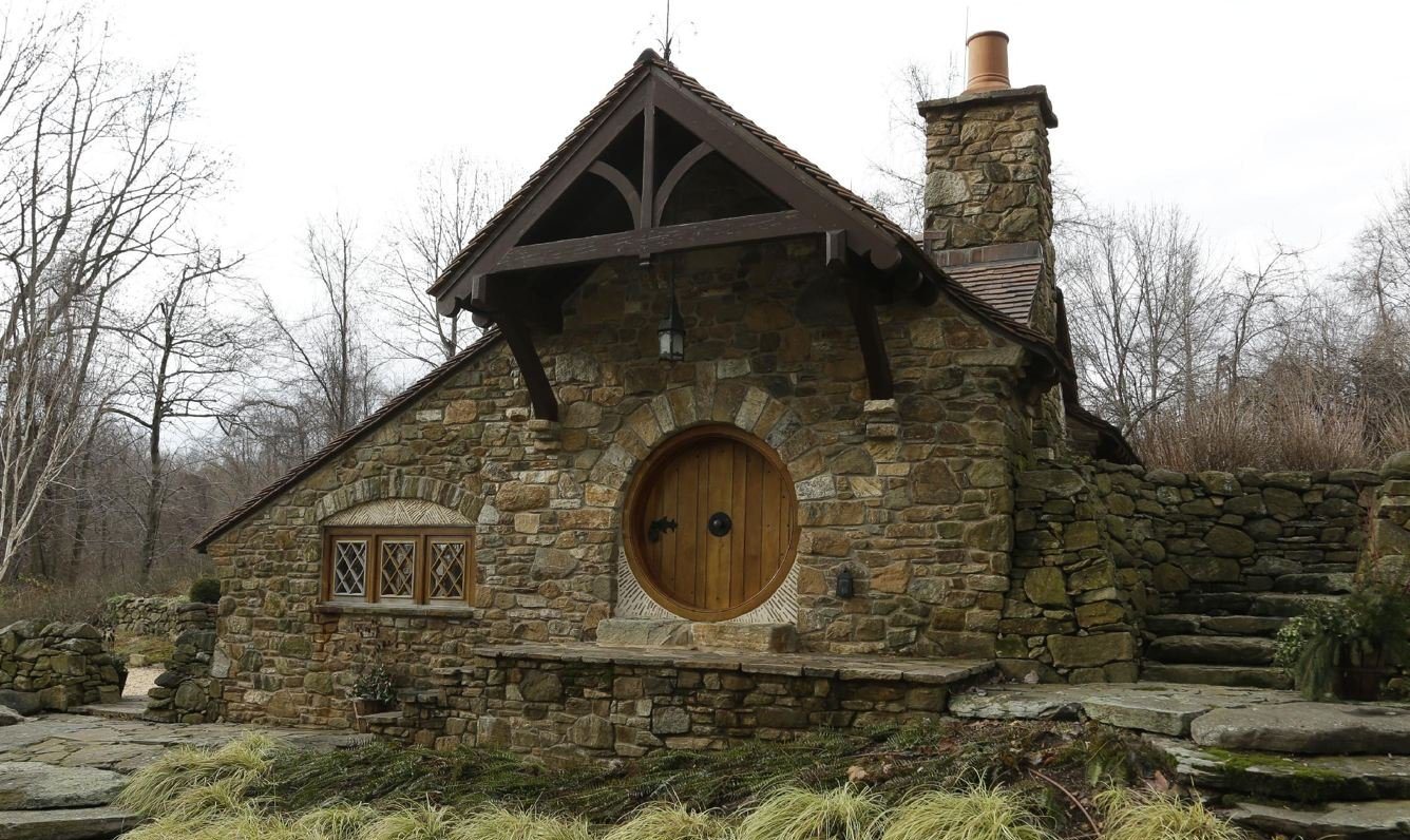 Hobbit Hole – house inspired by movie