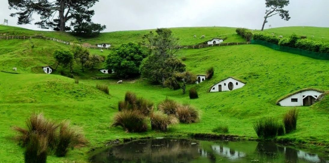 17 Shire-Inspired Hobbit Homes Worthy of Bag End
