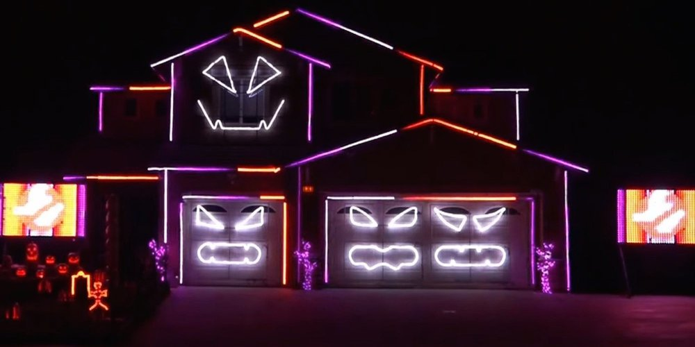 I Hate My Neighbors – halloween decorations
