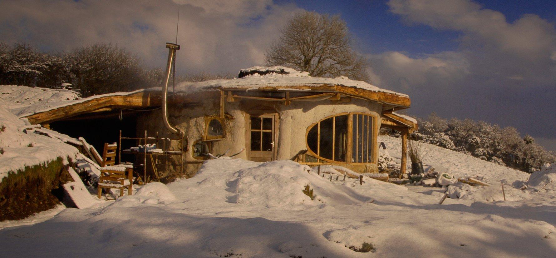 Simon Dale Undercroft – hobbit home