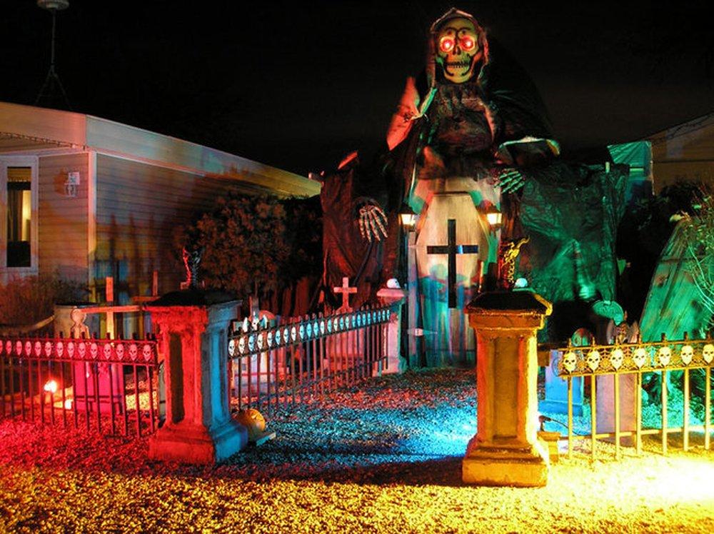 The Mausoleum – halloween decorations