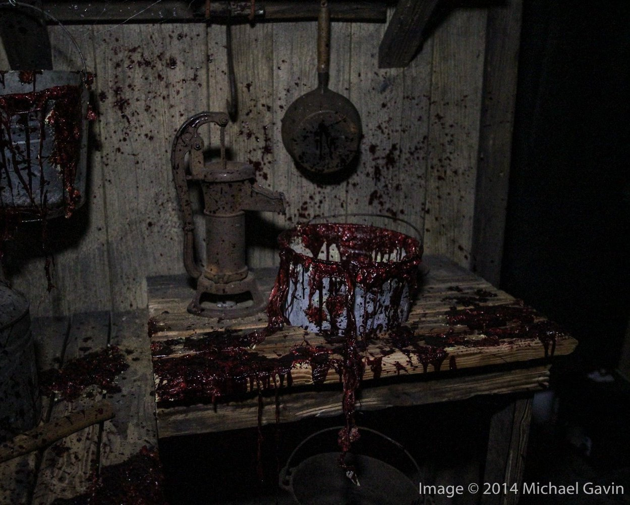 The Shallow Grave – haunted house
