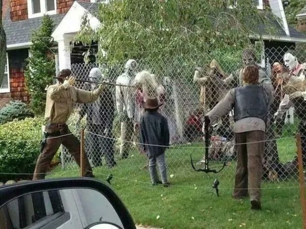 Walking Dead Homage – halloween decorations