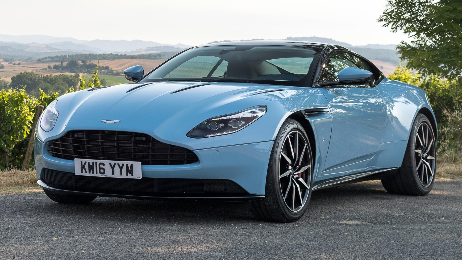 Aston Martin DB11 – supercar