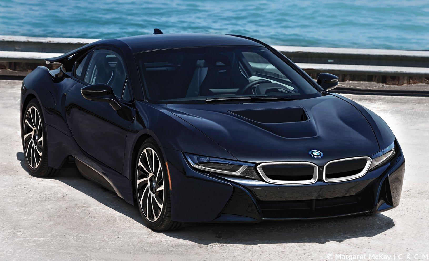 BMW i8 – supercar