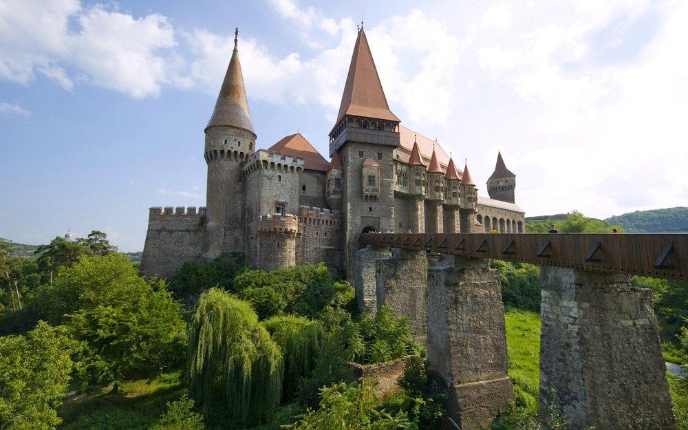 Draculas Castle – honeymoon destination
