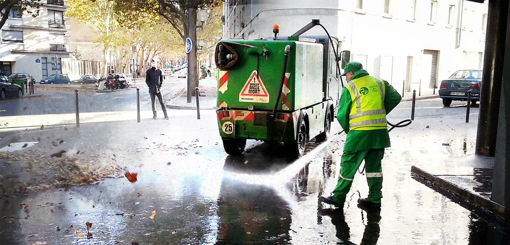 Street Cleaners – dangerous job