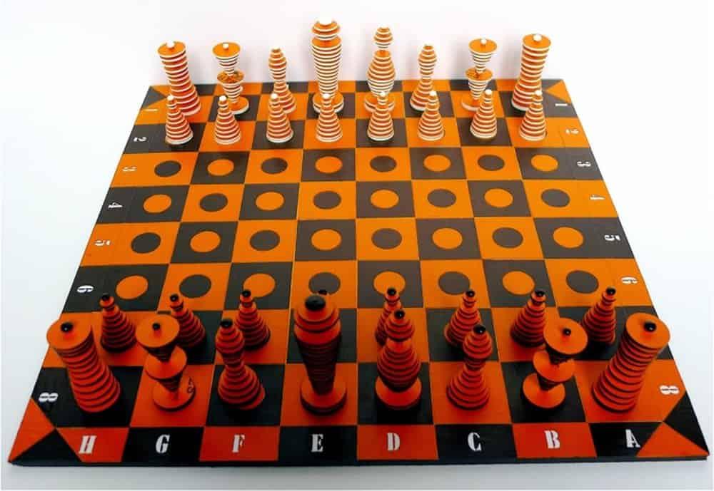 Atelier Hapax Chess Set – junk art