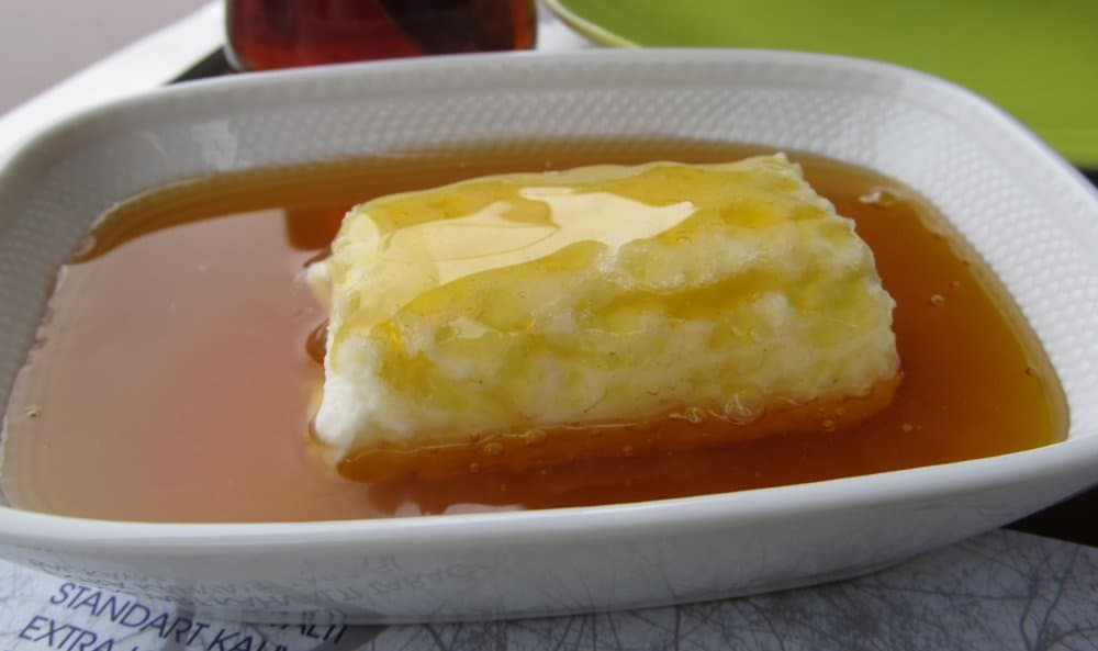 Kaymak – breakfast food