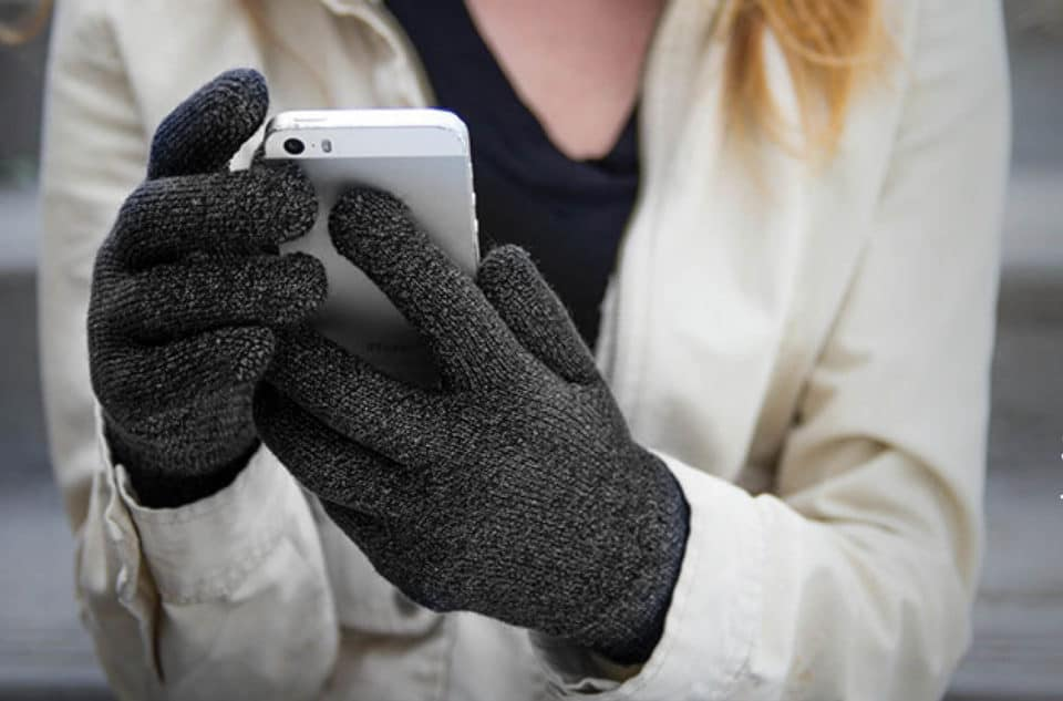 Agloves Gripper Touchscreen Gloves e1485712541603 960x633 Power Poke: The Top 9 Touchscreen Gloves