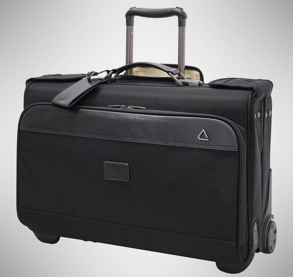 Andiamo Avanti Collection 22 – garment bag