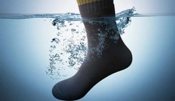 7 Best Waterproof Socks That Feel Wonderful (2021 Edition)