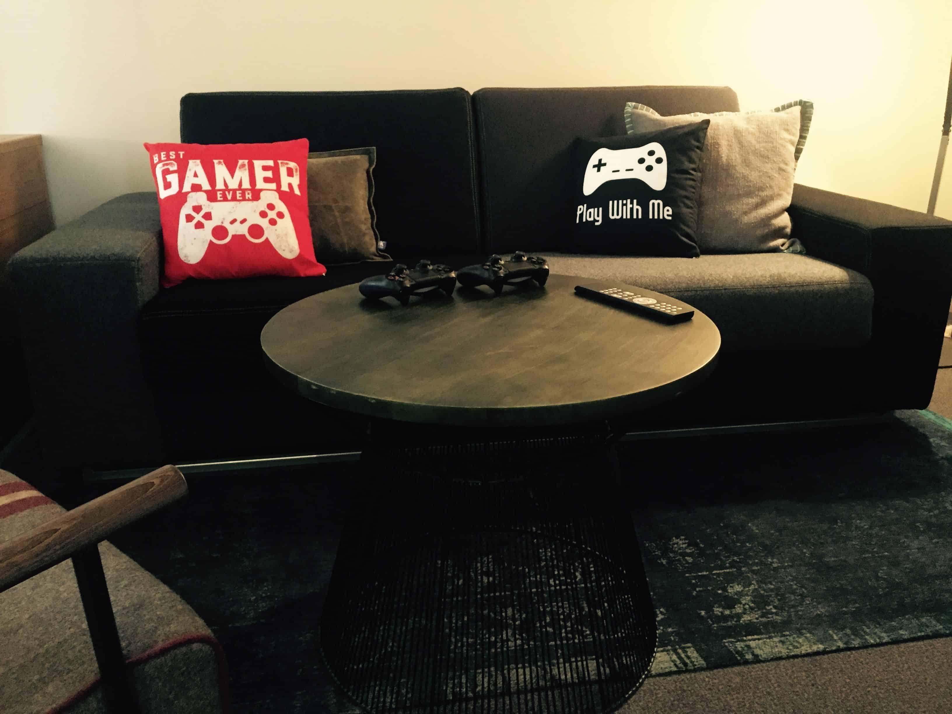 Beautiful room furniture – pentahotel paris
