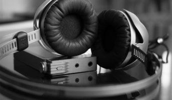 Beyerdynamic T51i on ear headphones 345x200 Portable, Powerful: 13 Best On Ear Headphones