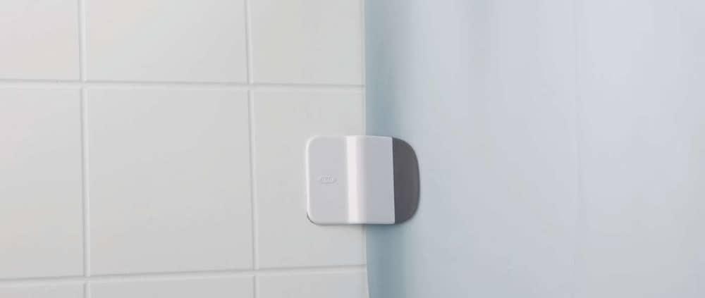 OXO Good Grips Shower Curtain Liner Splash Guard Clip – clean bathroom