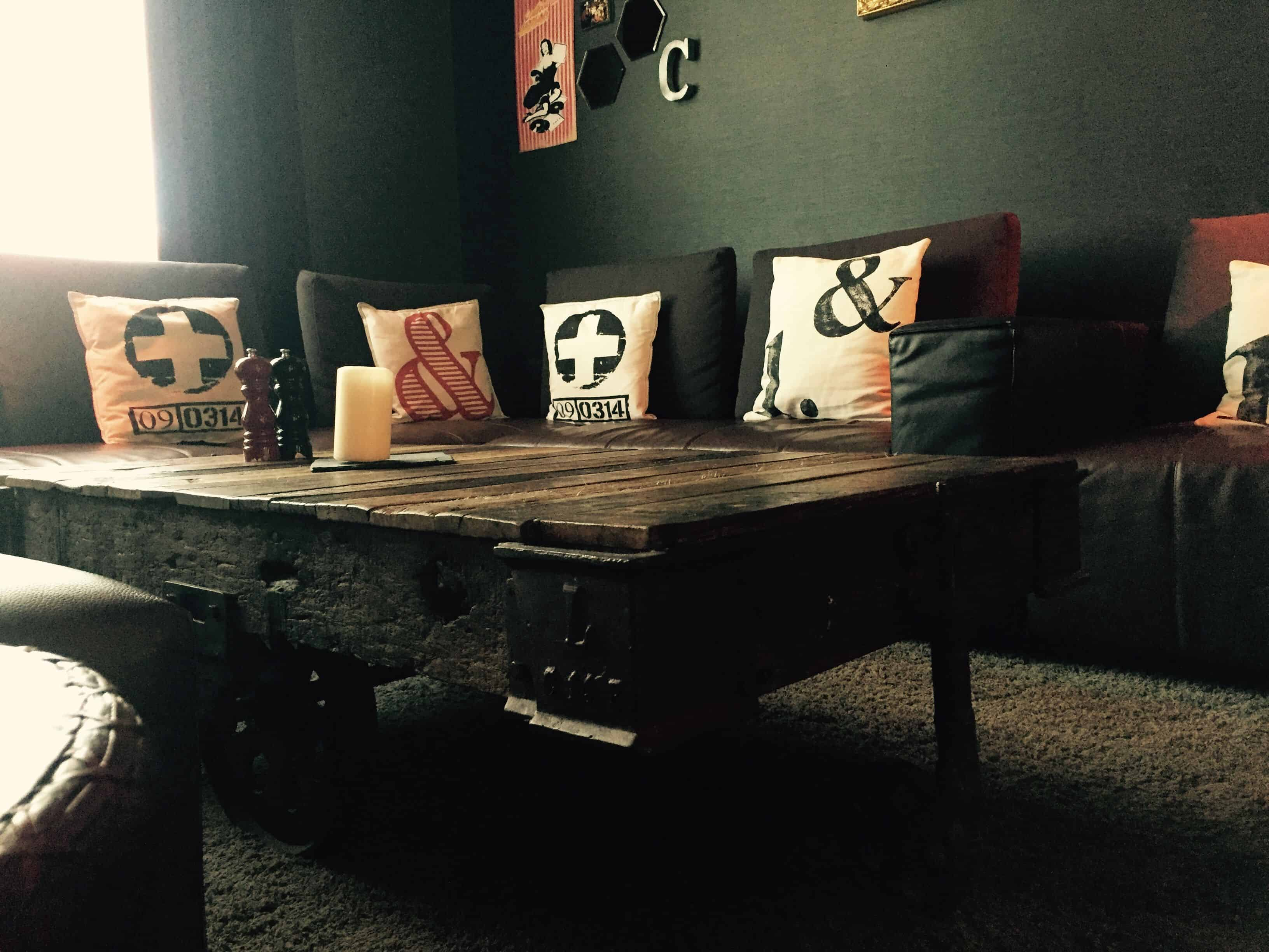 Vintage wood and industrial accents – lobby – pentahotel paris