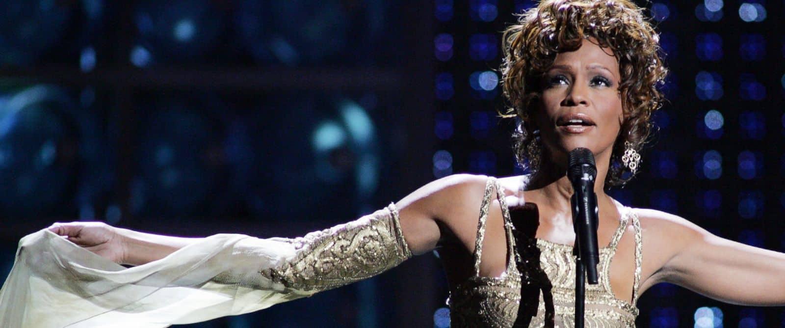 Whitney Houston – 90's band