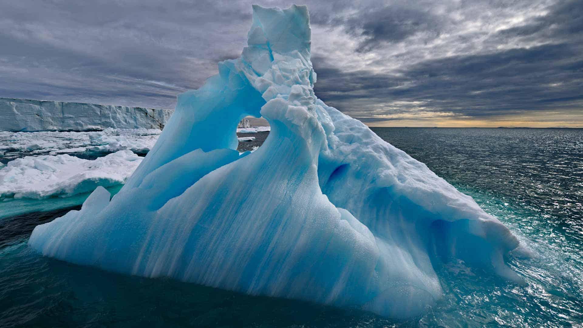 Antarctica – escape nuclear war