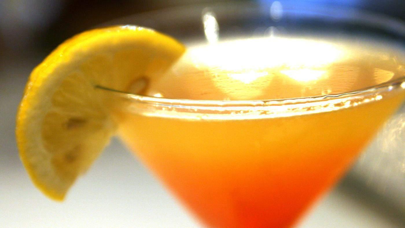 Fuzzy Navel – girly drink