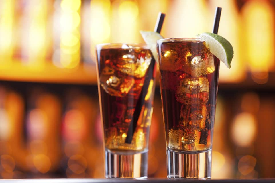 Long Island Iced Tea girly drink 960x639 17 Girly Drinks That Every Man Should Try