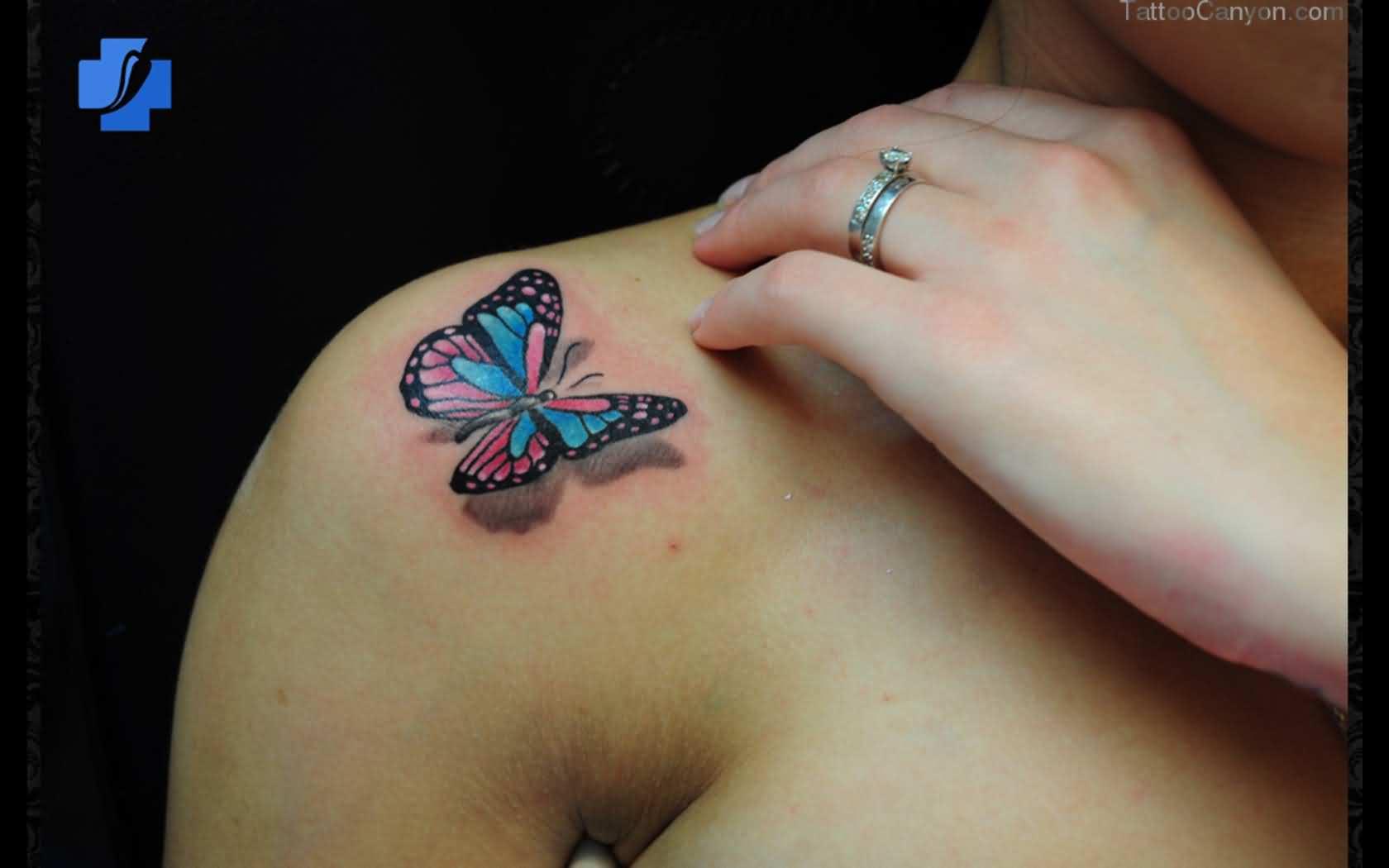 Butterfly Landing – 3D tattoo