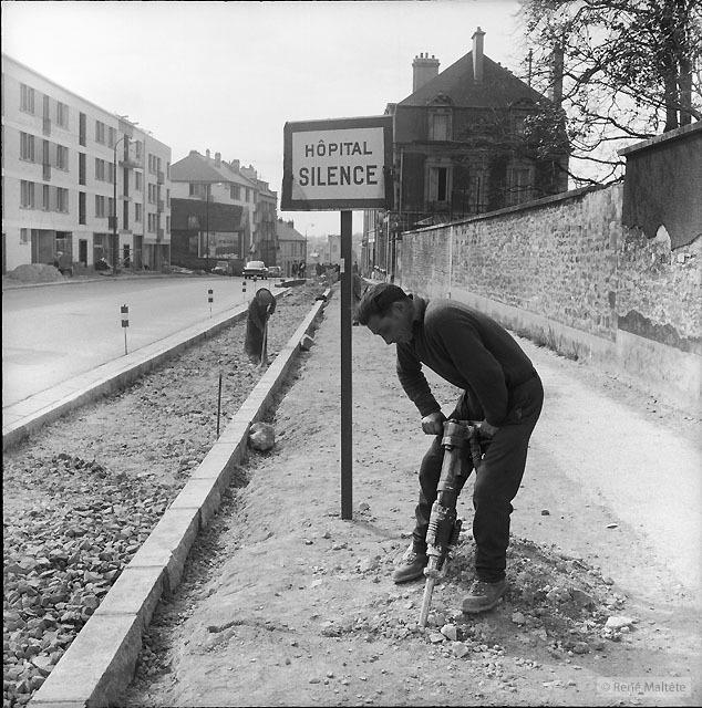 Hospital – René Maltête street photograph