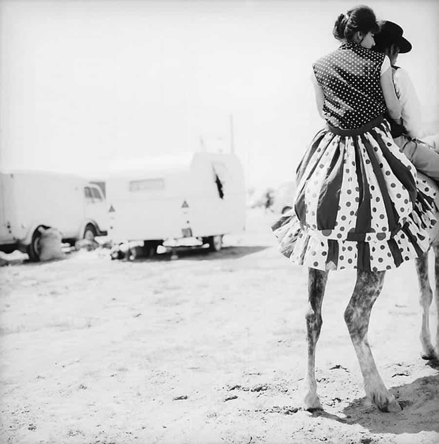 Legs – René Maltête street photograph