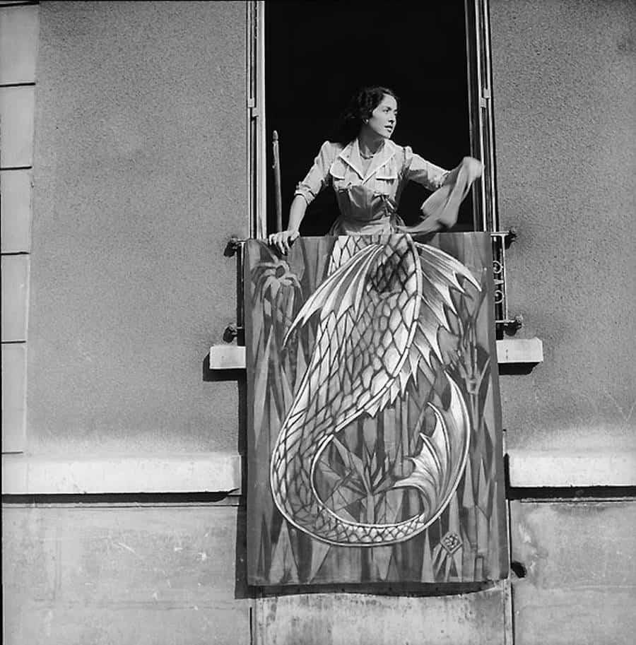 Mermaid – René Maltête street photograph