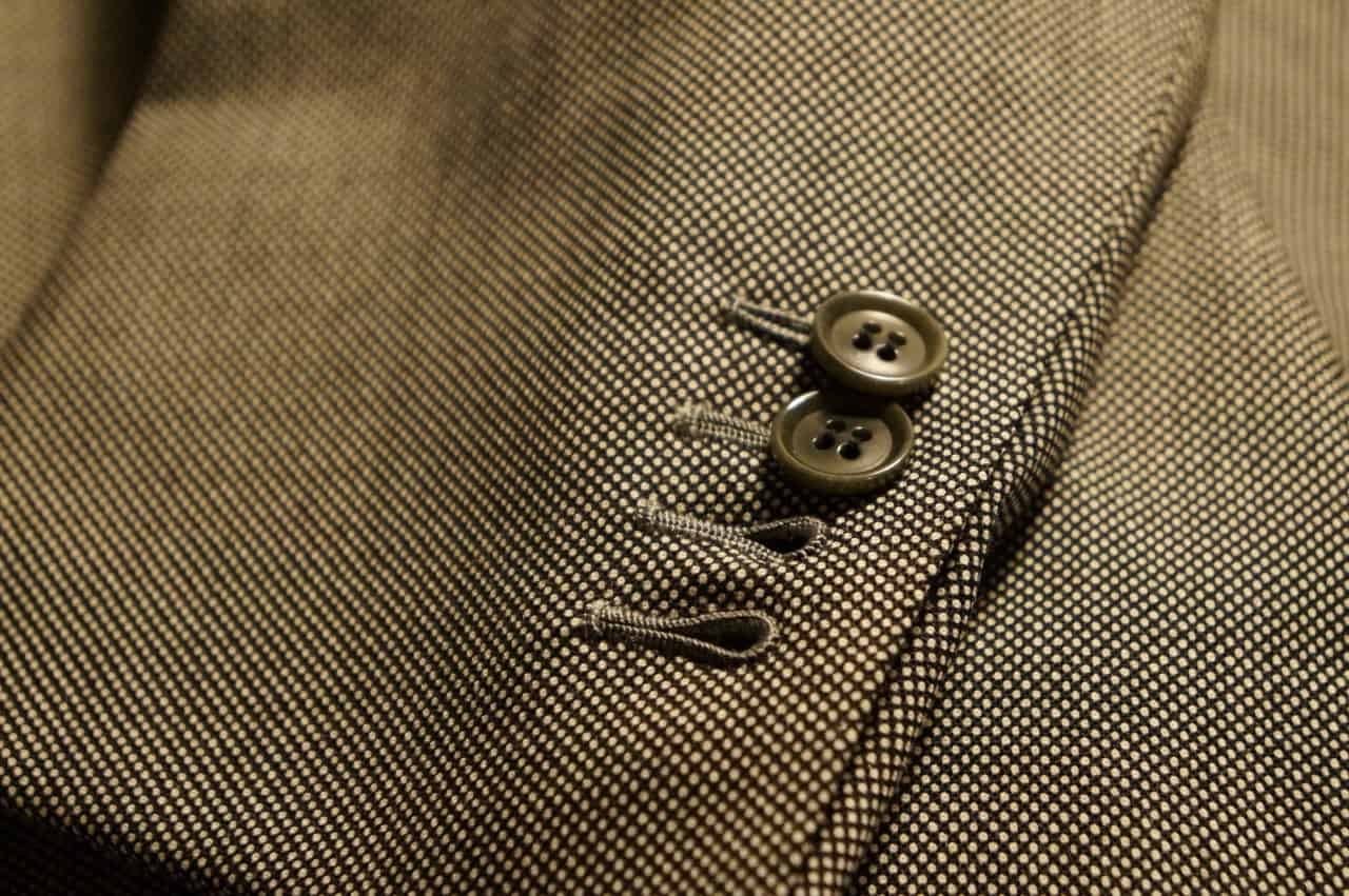 Stacked Sleeve Buttons – types of suits