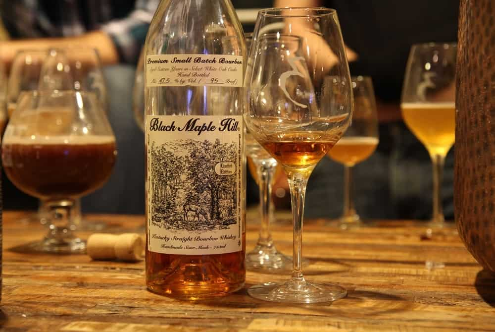 Black Maple Hill 16-Year-Old Small Batch – bourbon